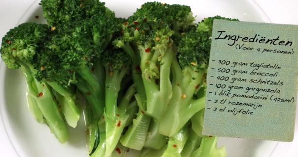 Broccoli met schnitzeltjes in tomaten-gorgonzolasaus