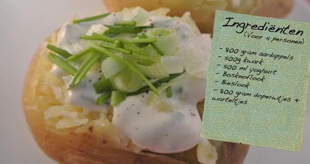 Gepofte aardappel met kruidenkwark